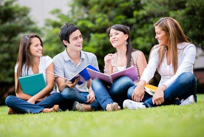 Nên tự cải thiện tiếng Anh tại Việt Nam hay đăng ký khóa học tiếng Anh ở Mỹ?