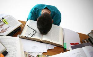 Những sai lầm của bố mẹ khi định hướng cho con đi du học
