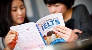 Du học Canada nên chọn IELTS hay TOELF?